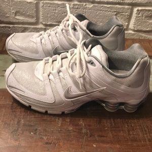 Nike shimmer shox